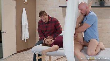 Doutor do sexo comendo paciente
